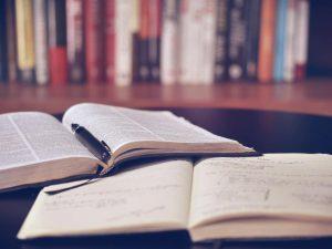 社会福祉士の受験勉強におすすめなテキスト・問題集26選